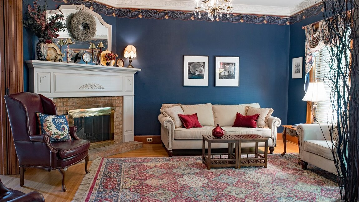 It's great to have a nice rug in your living room, but what size should you get? This guide explains how to know what rug size is right for your living room.