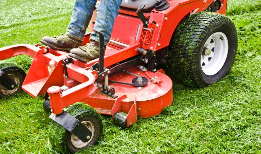 Are you trying to decide whether to cut your grass yourself or hire a professional lawn mowing service? Here's why you should leave it to the professionals.