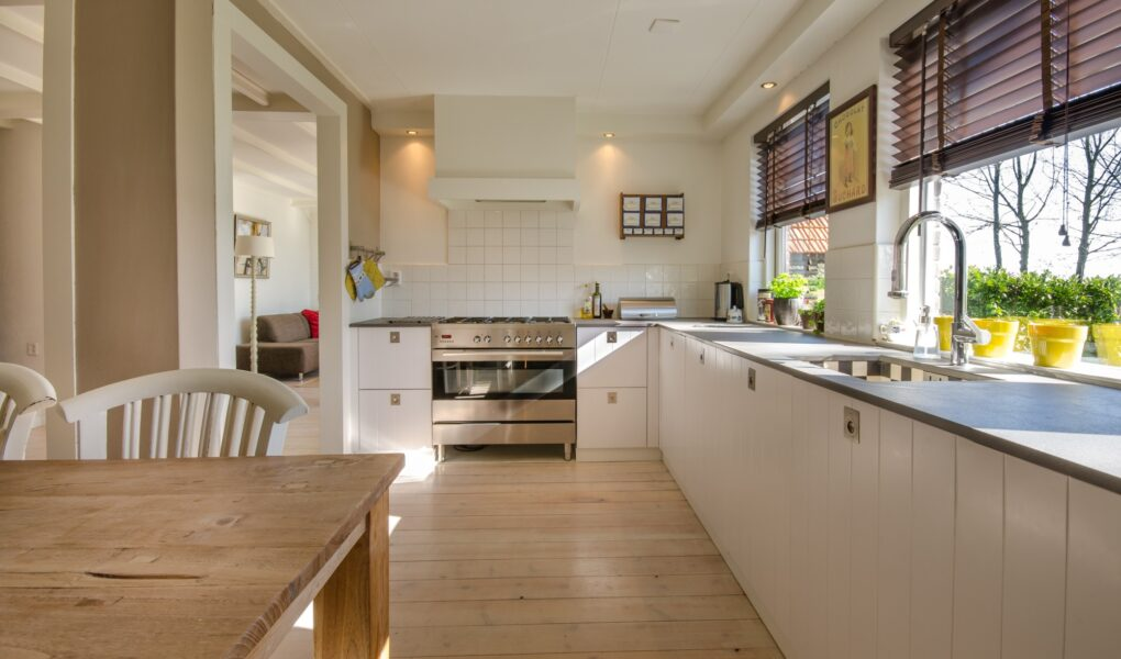 Are you redesigning your kitchen? Read on for the top kitchen design layout tips to totally change the look and feel of your home.