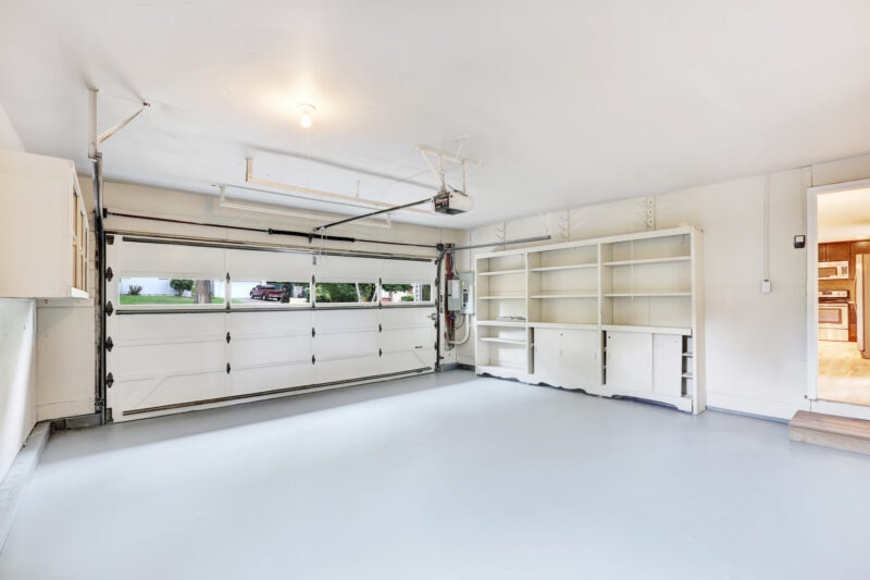 Did you know that not all garage door installers are created equal these days? Here's how simple it actually is to choose the best garage door company.